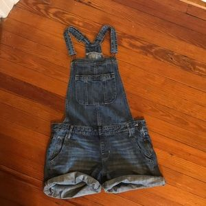 Denim overall shorts!!